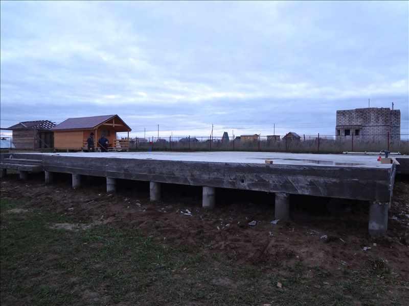 Фундамент после снятия опалубки
