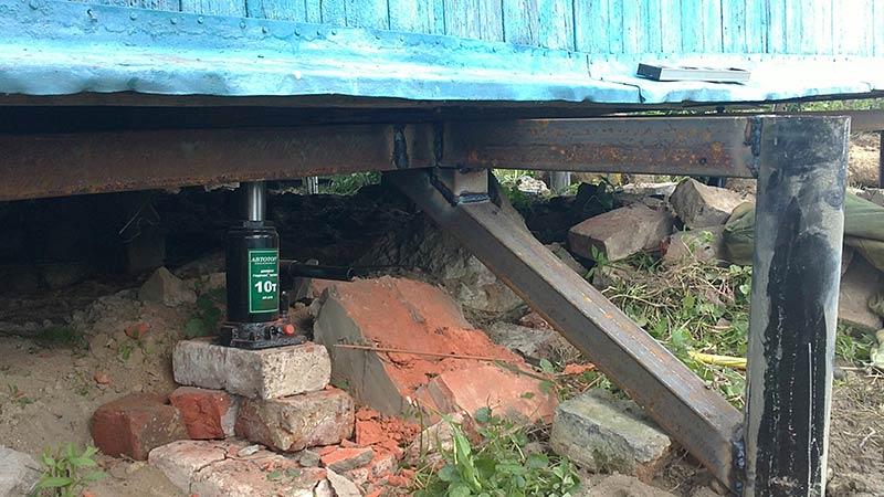 Фундамент на винтовых сваях потребовал ремонта